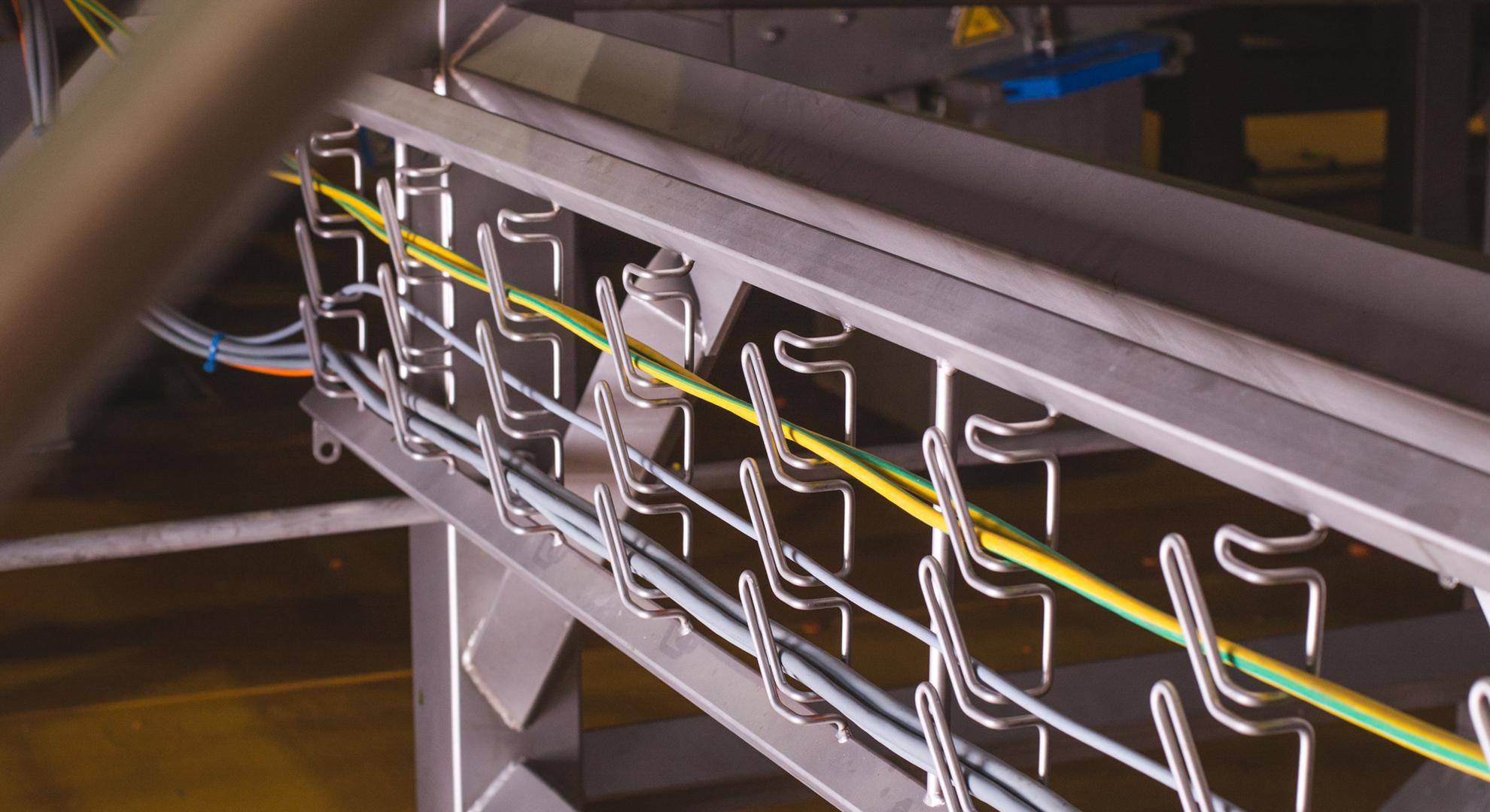 Foto van hygienische bekabeling met vecoclip kabelladders